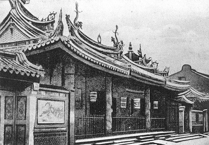 Thian Hock Keng temple at Telok Ayer Street. Built between 1839 to 1842, it is Singapore's oldest Chinese temple and was gazetted as a national monument on 28 June 1973.